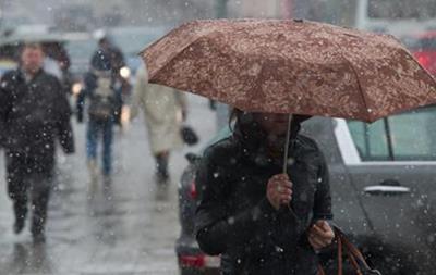 У Києві очікується сильний дощ і град