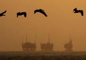 Reuters: аналитики повысили прогноз по ценам на нефть в 2012-2013 годах
