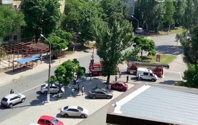 В Мариуполе у воинской части взрыв и стрельба