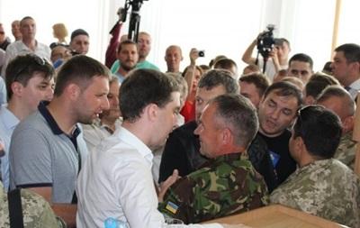 Драка в Ровно: Депутатов разняла Нацгвардия