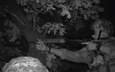 Бойцы АТО показали ночные обстрелы под Донецком