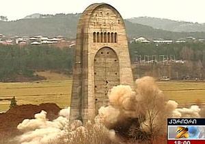 МИД РФ назвал актом вандализма демонтаж Мемориала Славы в Кутаиси