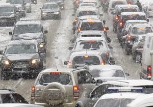 В Киеве перекроют движение транспорта на Набережном шоссе