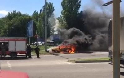 В Днепре после ДТП сгорел автомобиль