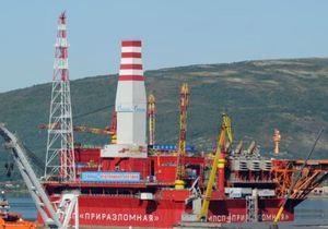 Число погибших при аварии на буровой платформе в Охотском море возросло до четырех