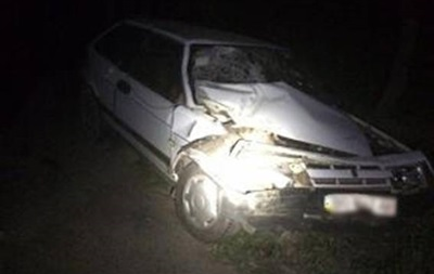 На Львовщине грузовик наехал на авто полиции