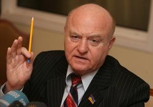 Бывший соратник Януковича призвал голосовать за Тимошенко