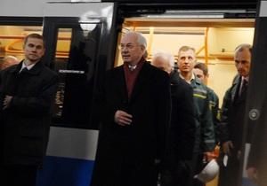 Азаров: Новые станции киевского метро откроются в октябре и декабре