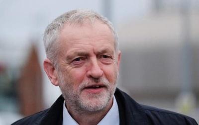 Британские лейбористы вынесли вотум недоверия главе партии