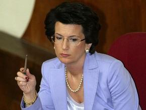Бурджанадзе требует от Саакашвили уйти в отставку до апреля