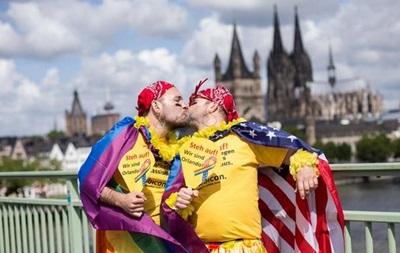 В крупнейшем гей-параде Европы приняли участие миллион человек