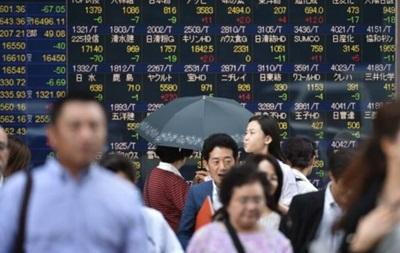 Індекси в Токіо впали майже на 2% на відкритті торгів