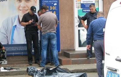 В Киеве на глазах у прохожих зарезали мужчину