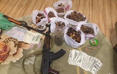 Заарештовані п ять фігурантів бурштинової справи