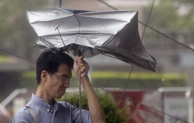 На Тайване из-за приближения тайфуна отменены авиарейсы