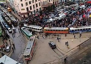 В центре Харькова образовался транспортный коллапс