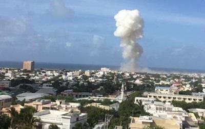 Взрыв в столице Сомали: восемь погибших