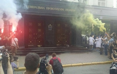 Итоги 29 июля:Кровь у стен ГПУ, пикапы для гвардии