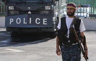 В Ереване у захваченного здания началась стрельба, есть жертвы