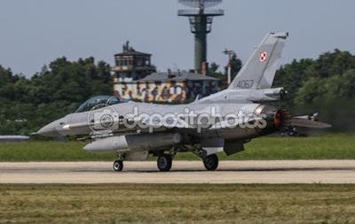 В Польше перехватили российский самолет