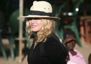 На Мадонну подали  в суд сотрудники ее благотворительной организации
