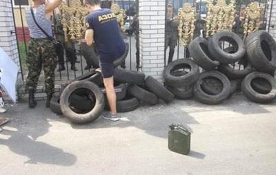 """Полиция не смогла доставить """"торнадовцев"""" в суд"""