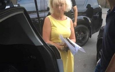 Чиновницу Минагропрома арестовали на два месяца за взятку