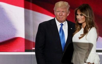 Дружина Трампа заперечує порушення міграційних законів