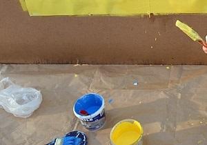 Во Львове неизвестные облили синей и желтой красками русскоязычную школу