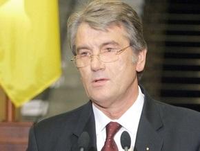 Ющенко категорически осуждает любые проявления неуважения к воинским захоронениям