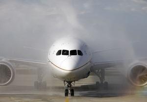Самолет совершил экстренную посадку из-за молитвы пассажира