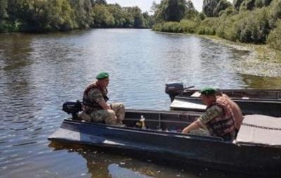 У Чернігівській області біля кордону затримали російських рибалок