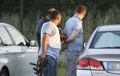В Турции выданы ордеры на арест 120 бизнесменов