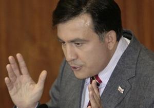 В Грузии начался сбор подписей за отставку Саакашвили