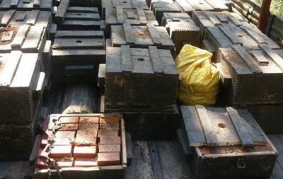 СБУ в зоні АТО знайшла схованку з 75 ящиками тротилу