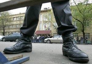 В 2009 году российские милиционеры совершили более пяти тысяч преступлений