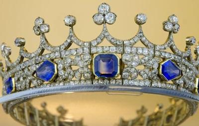 Британия запретила вывозить за границу свадебную корону королевы Виктории