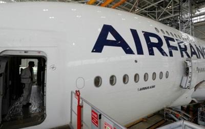 Рейс Air France затримали на дві доби через мишу
