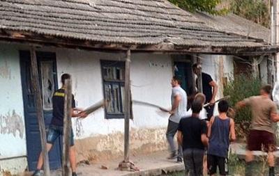 Роми поскаржилися Авакову через погроми в Лощинівці