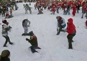 В Петербурге состоялся запрещенный флешмоб Снежная битва