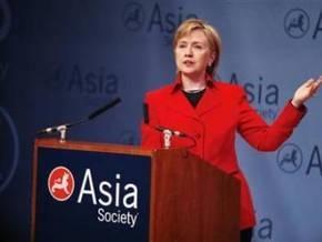 Хиллари Клинтон отправилась в первое зарубежное турне в должности госсекретаря США