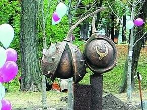 В Киеве появились необычные скульптуры