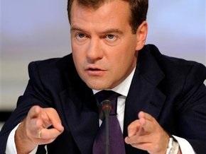 Медведев на комбайне убирал свеклу