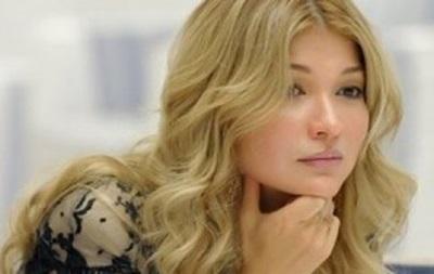 Дочка Карімова заспівала пісню у пам ять про батька - ЗМІ