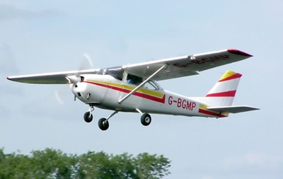 Двоє людей загинули під час аварії літака біля берегів Флориди