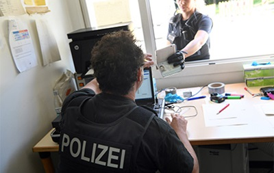 У Німеччині хлопчик вкрав мікроавтобус заради бабусі