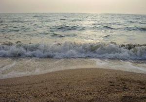 В связи с ожидаемым штормом в Азовском море и Керченском проливе объявлено экстренное предупреждение