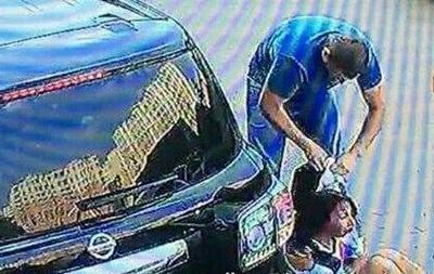 У Києві з автомобіля викрали сімейну пару