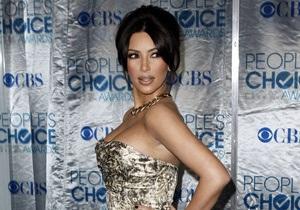 Актриса Ким Кардашьян заявила, что у нее  похитили  грудь