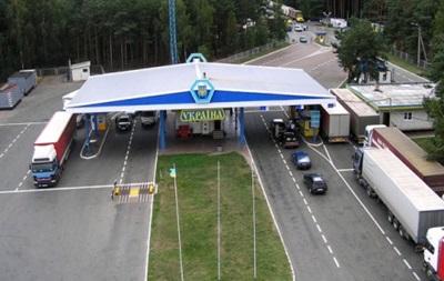 На кордоні з Польщею скупчилися понад 700 авто